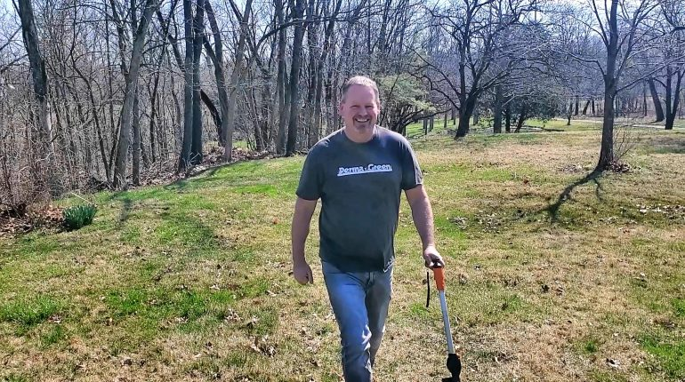 Steve Daly offers lawn care tips and coache's watering advise for full-season lawn plan customers.